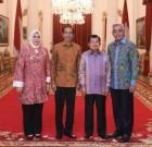Presiden RI Ir Joko Widodo dan Wapres Jusuf Kala bersama Bupati dan Wakil Bupati Bima di Istana Negara Jakarta